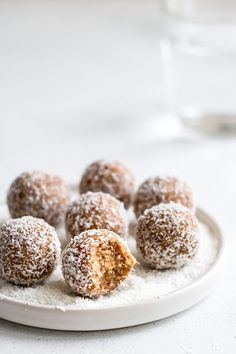 These salted caramel coconut bliss balls only use 4 ingredients and are so easy to make! They're the perfect healthy all-natural snack!