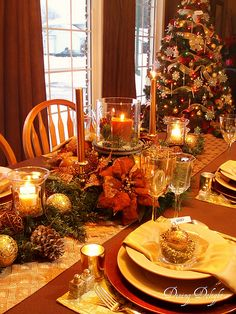 Dining Delight: Christmas in Gold and Brown