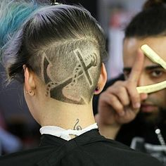 ⚓️ Anchors Away ⚓️ Fabulous hair etching and undercut by @aka_saint #hotonbeauty #hothairvids
