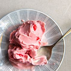 Strawberry & Coconut Ice Cream from Honestly Healthy