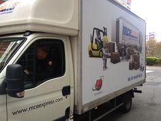 Camion de transport de marchandises capacité 20 m3