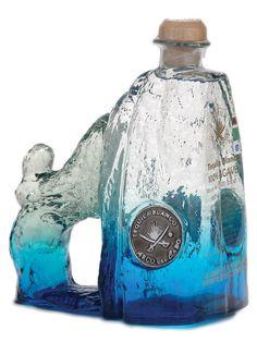 arco del cabo blanco tequila - artesanal bottle