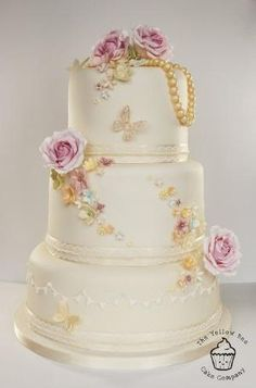 Vintage Wedding Cake - by YellowBeeCakeCompany @ CakesDecor.com - cake decorating website by queen