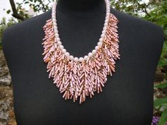 1960s Vintage Pink and Gold Tone Plastic Necklace  30cms/11.75inches