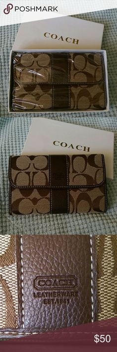 """Coach Wallet NWOT Coach Wallet Never used, in original packaging. Snap flap closure Credit card slots and ID window  Separate change pocket with snap Inside pocket  Full size cash pocket 6.5"""" by 4"""" Coach Bags Wallets"""