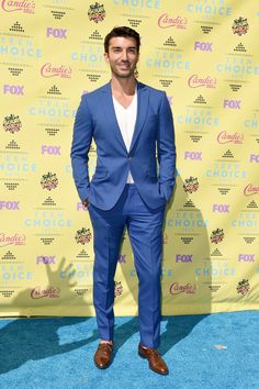 Pin for Later: The Sun — and Stars — Came Out For the Teen Choice Awards! Justin Baldoni