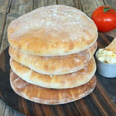 Stora tekakor Snack Recipes, Cooking Recipes, Snacks, Salty Foods, Bread Bun, Swedish Recipes, Bagan, No Bake Desserts, Bread Baking