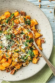 Recipe for orzo with pumpkin, spinach and grana padano / vegetarian / veggie / vegetarian / fresh th Clean Recipes, Veggie Recipes, Vegetarian Recipes, Healthy Recipes, Orzo, Drink Party, Kitchen Recipes, Cooking Recipes, Healthy Diners