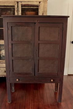 EARLY AAFA ANTIQUE PRIMITIVE 12 TIN PIE SAFE WOOD CABINET CUPBOARD SQUARE NAILS