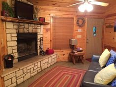 LITTLE CABIN IN THE BIG WOODS - Broken Bow, Oklahoma