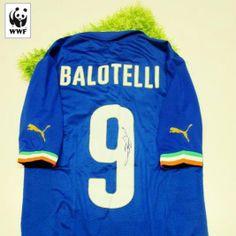 Aggiudicati la maglia ufficiale di Mario Balotelli, partecipa all'asta Charitystars WWF Italia http://www.charitystars.com/product/maglia-balotelli-italia-ufficiale-authentic-autografata-brasile-2014-celebriamolamaglia-vivoazzurro Ci aiuterai a salvare l'Amazzonia e anche tu potrai dire #iotifoAmazzonia