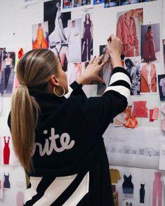 Student Fashion, School Fashion, Business Fashion, Business Women, Moda Aesthetic, Foto Glamour, Fashion Studio, Fashion Stylist, Girl Boss