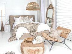 Vous êtes à la veille d'aménager chez vous? Dans cet article on va vous présenter quelques astuces pour réaliser la chambre à coucher design de vos rêves.