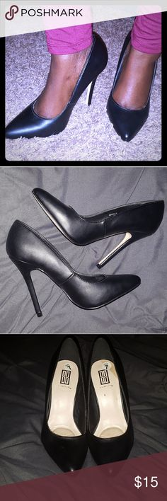 Black stiletto heels Black 4in heels. Black is a girls best friend. Every woman needs a simple black pump. Works well with jeans, shorts, skirts, dresses, you name it. I had a opportunity to wear once. So they are gently used. Signature by Sangria Shoes Heels