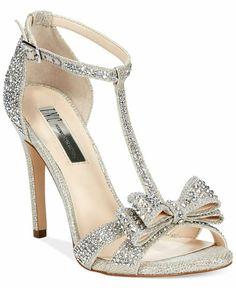 Lujo en estado puro!! Espectaculares!! #moda #estilo #tendencias #zapatos #lujo #fashion #glamour #style #trendy #luxury #boda #novia #eveningsandals #weddingsandals #inc