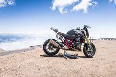 Wunderlich RennR (R 1200 R LC Spezialumbau) auf dem Pikes Peak in den USA R1200r, Pikes Peak, Bmw Motorcycles, Bike, Vehicles, Den, Motorbikes, Bicycle, Bicycles