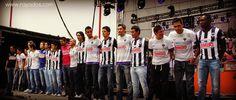 En el escenario, los Rayados portaron la nueva piel para el Apertura 2012 ¿Qué te parece el nuevo uniforme?