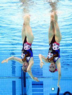 Synchronized Swim Dancing