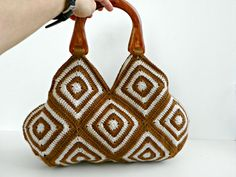Crochet hand bag granny square fall autumn fashion di NzLbags, $95.00