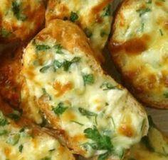 Sahurda hem hafif hem de lezzetli bir şeyler yemek ister misiniz. İşte 'Kaşarlı çıtır ekmek dilimleri' tarifi