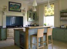 Units painted in Farrow and Ball Breakfast Room Green and Dix Blue, Sanderson fabric, Kitchen units by Design Matters. Interior design by Angel and Blume, photography by Simon Whitmore photography. Kitchen Cabinets Units, Kitchen Cabinet Colors, House Paint Interior, Kitchen Interior, Dix Blue Farrow And Ball, Blue Green Kitchen, Farrow And Ball Kitchen, Classical Kitchen, Interior Design Website