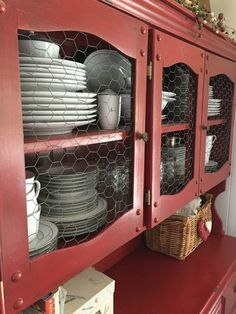Hutch With Chicken Wire Simple Dining Room.Trash To Treasure Cabinet To Hutch Makeover. A Simple DIY Cabinet Update With Pergo Refurbished . DIY Corner Hutch The Sweet Life. Shabby Chic Decor, Vintage Decor, Farmhouse Design, Farmhouse Style, Hutch Makeover, Chicken Wire, Diy Home Decor Projects, Diy Cabinets, Handmade Furniture