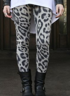 Leopard Leggings // Stylelately.com