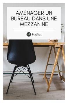 La mezzanine est un espace réduit qui est souvent transformé en chambre mais il est aussi possible d'y installer un bureau pour travailler ou lire tranquillement. Découvrez avec M-Habitat comment aménager un bureau dans une mezzanine en passant du mobilier au rangement sans oublier les couleurs à privilégier. On vous dit tout ! Dit, Habitats, Office Desk, Furniture, Home Decor, Loft Office, Drawer Unit, Outer Space, Colors