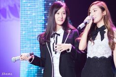 Snsd Jessica & Krystal