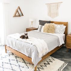 This is a Bedroom Interior Design Ideas. House is a private bedroom and is usually hidden from our guests. However, it is important to her, not only for comfort but also style. Much of our bedroom … Small Master Bedroom, Master Bedroom Design, Master Bedrooms, Bedroom Designs, Teenage Bedrooms, Bed Designs, Master Suite, Master Bath, Apartment Bedroom Decor