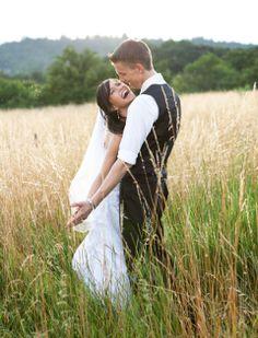 Jasmin und Marco beim Foto-Shooting. Meine Hochzeit in Bilder auf HoPla!