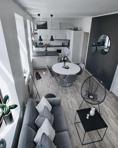 32 The Best Small Apartment Living Room Design And Decor Ideas - Living in a studio apartment may limit you physically, but it doesn't have to cramp your imagination. What you can or cannot do with your living room . Small Apartment Interior, Small Apartment Living, Cheap Apartment, Small Apartment Decorating, Interior Design Living Room, Studio Apartment, Apartment Layout, Small Home Interior Design, Small Living Room Designs