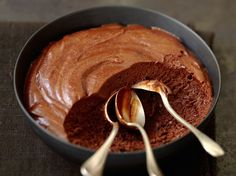 Vegan chocolate mousse - the fastest Vegane Mousse au Chocolat – das schnellste Rezept Chocolate mousse with two ingredients - Vegan Sweets, Vegan Desserts, Delicious Desserts, Yummy Food, No Cook Desserts, Dessert Recipes, Vegan Chocolate Mousse, Mousse Dessert, Dessert Parfait