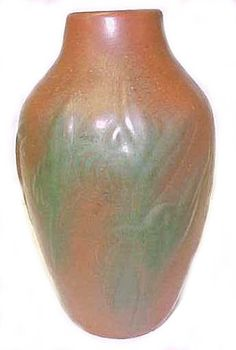 Artus Van Briggle, who founded his pottery in Colorado in 1901, developed his matte or dead glaze while working for Rookwood. After years of attempting to duplicate the famous dead glaze found on Chinese Ming vases, he succeeded, first exhibiting examples in the Paris Exhibition to great acclaim.
