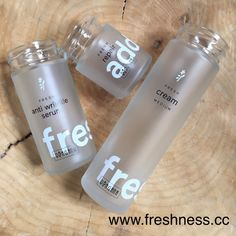...did you know? Für 10 retournierte leere Ringana Glasflakons bekommt ihr ein Kosmetikprodukt nach Wahl gratis! 🌱 #naturkosmetik #naturalcosmetics #vegan #vegancosmetics  #beautycare #veganbeauty #zerowaste #ringana #reduce #reuse #recycle Water Bottle, Vegan, Drinks, Organic Beauty, Glass, Drinking, Beverages, Drink, Beverage