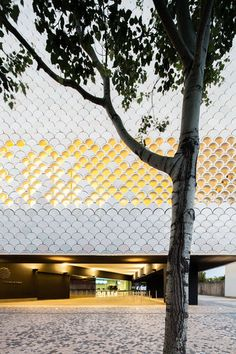 Lisbon Aquarium, Lisbon, Portugal by Pedro Campos Costa Architect Green Architecture, Amazing Architecture, Contemporary Architecture, Architecture Details, Landscape Architecture, Facade Design, Exterior Design, Interior And Exterior, Lisbon Aquarium