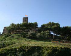 """#Málaga - #Fuengirola - Parque del Castillo de Sohail / 36º 31' 34"""" -4º 37' 42"""" / 36.526111, -4.628333  A los pies del Castillo de Sohail y alrededor de él, se construyó, en el año 2.002, más de 60.000 metros cuadrados de zonas verdes, aparcamientos y zona arqueológica."""