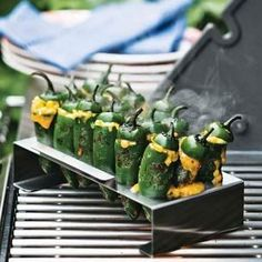 Um, yes please! Grilled stuffed jalepenos!