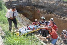Canastilla plástica Junkin, Sujetador de cuerpo e inmovilizador de cráneo termosellado EMS Mexico  Guantes Rescue  Ringers Gloves apoyando labores de  Rescate  de los Profesionales de Cruz Roja Allende y  Proteccion Civil.    EMS Mexico  | Equipando a los Profesionales