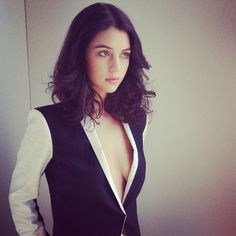 This is her exactly. Right down to the hair. Adelaide Kane is love.