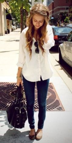 So if you want to wear comfy outfits for work, check out these casual and comfy work outfit inspiration below. 30 Comfy Office Outfits To Wear All Day Long Cute Office Outfits, Casual Office Wear, Everyday Casual Outfits, Casual Work Outfits, Business Casual Outfits, Fall Outfits, Cute Outfits, Fashion Outfits, Fashion Trends