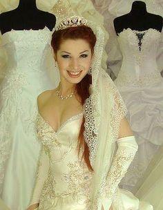 Марина Алиева Lace Wedding, Wedding Dresses, Fashion, Bride Dresses, Moda, Bridal Gowns, Wedding Dressses, La Mode, Weding Dresses