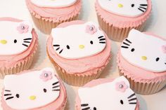 /// hello kitty cupcakes