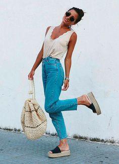 calça jeans e palha