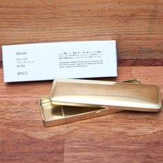 Solid Brass Pen / Pencil Case by Midori Australia - The Midori Brass Pen and Pencil Case is made from 100% solid brass.  It feels reassuringly heavy to pick up and the brass will age beautifully giving your case an individual vintage look. Perfect life long companion to your Midori Traveler's notebook.
