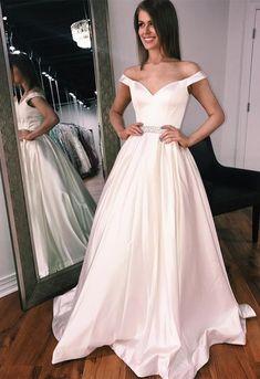 70c99de15c 31 Best Prom dress images