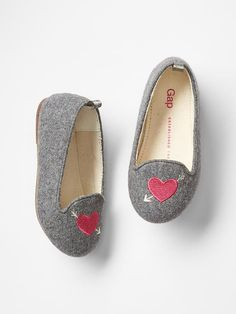 Shop the Gap collection of toddler girl shoes. Find a variety of little girls' shoes including flats, sandals, slip-ons, sneakers, and more. Little Kid Fashion, Little Girl Shoes, Cute Baby Shoes, Toddler Girl Shoes, Baby Girl Shoes, Baby Boy Fashion, Cute Baby Clothes, Girls Shoes, Kids Fashion