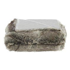 Kruip lekker weg onder deze heerlijk zachte plaid Wolf. Afmeting: 125x150 cm. #kwantum_woonahaves_plaid1 #kwantum #kwantum_nederland #woonahaves #daarwoonjebetervan