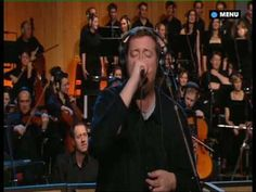 Elbow : One Day Like This, with the BBC Concert Orchestra and choir Chantage. This band is amazing!