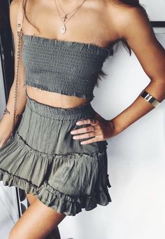 Stunning Summer Outfits With Mini Skirt You Would Love To Try This Summer; Summer Outfits With Mini Skirt; Stunning Summer Outfits With Mini Skirt; Mini Skirt For Summer; Casual Summer Outfits, Spring Outfits, Trendy Outfits, Easy Outfits, Outfit Summer, Casual Skirts, Tight Dresses, Mode Outfits, Skirt Outfits